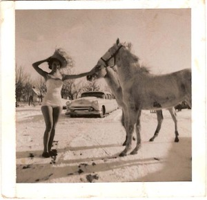 Betty_and_the_horses_in_snow_1